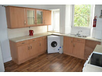 SPACIOUS 2 BED FLAT - AVAILABLE IMMEDIATELY