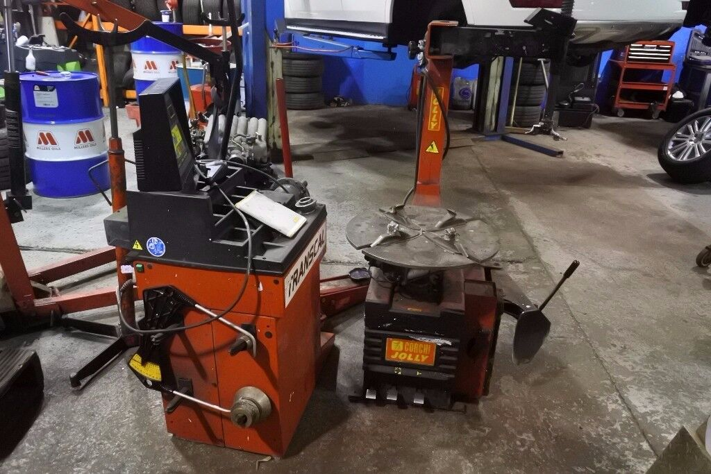 CORGHI TYRE MACHINE ONLY, BALANCER SOLD!!!