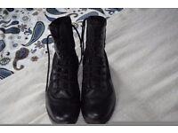Size 10 Mens Magnum Combat boots