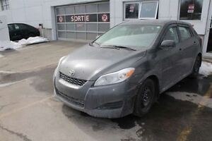 2014 Toyota Matrix BLUETOOTH +  A/C + USB + PROPRE
