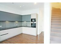 4 bed Townhouse to rent in Deptford Landings SE8