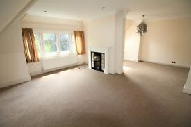 Spacious three bedroom flat to let in the centre of Weybridge