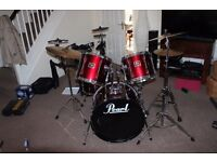 Pearl Export drum kit with Sonor snare drum and zildjian/Sabian cymbals.