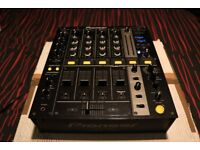 Pioneer DJM700 DJ Mixer - 10/10 CONDITION WITH DECKSAVER - AS NEW CONDITION