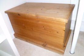 Solid Wood Storage Chest / Bedding Chest