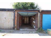 Detached-Vallance Gardens, Hove, BN3-£140pcm