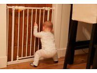 No screws safety gate
