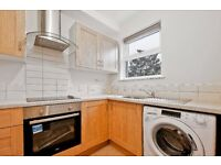 ***LOWER ROAD, SM1 - A STUNNING NEWLY BUILT ONE BED FLAT WITH SEPARATE KITCHEN AND LIVING AREA***