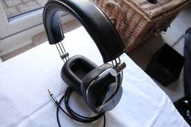 Bowers and Wilkins P7 wired hi-fi headphones -excellent condition
