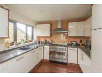 Kitchen units, work tops, dishwasher, fridge and sink - ready to collect