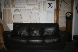Very comfy excellent condition genuine leather couch 200x100x85cm local delivery available