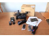 Canon XF100 - 16GB CF card, 2 Batteries and original accessories