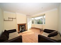 Bright and spacious 3 bedroom garden flat in Colindale