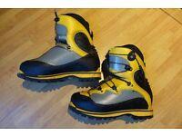 La Sportiva Spantik B3 Men's Mountaineering Boots size 44 PERFECT CONDITION