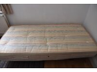 SMALL SINGLE BED 2ft 6in/70cm - Wood Base & Mattress