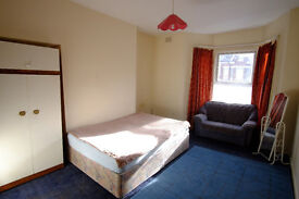 Large single room for rent