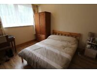Double room only few minutes walk to WEST HAM station