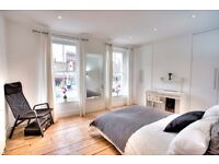 Fantastic extra-large room in period house next to Lambeth North available August