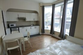 Large first floor studio on High Road, Willesden including bills and use of communal wi-fi