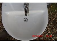 ceramic hand basin comlete with mixer taps pop up waste all in very good condition
