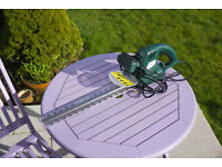 Electric Hedge Trimmer with 400 mm blade 1 year old