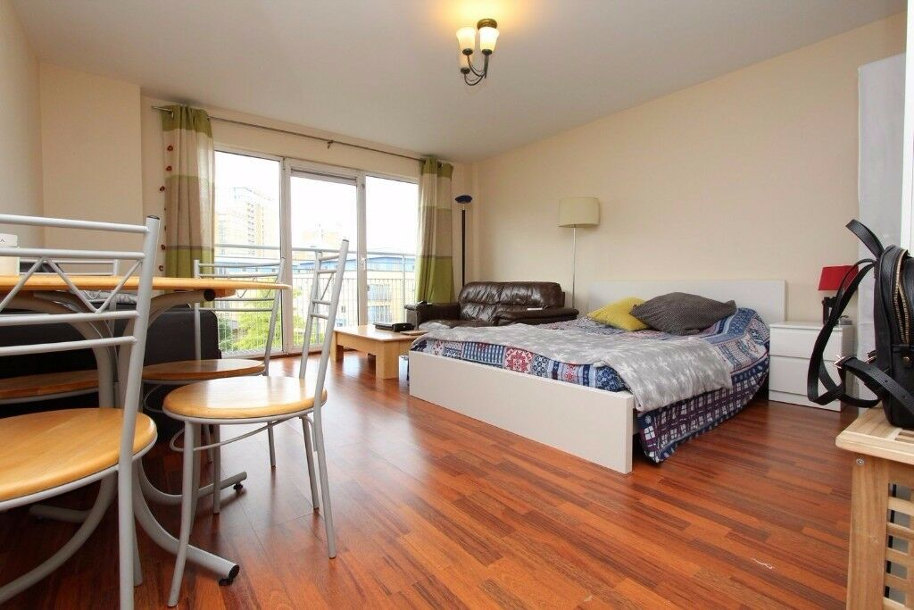 *** EAST LONDON *** ** COZY rooms in MODERN LUXURY apartment **