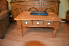 Solid Pine CoffeeTable with 3 drawers