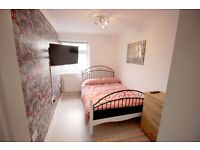"""High Spec DBL with Living room close to Canary Wharf. Low deposit-free cleaning-""""32 LCD TV"""