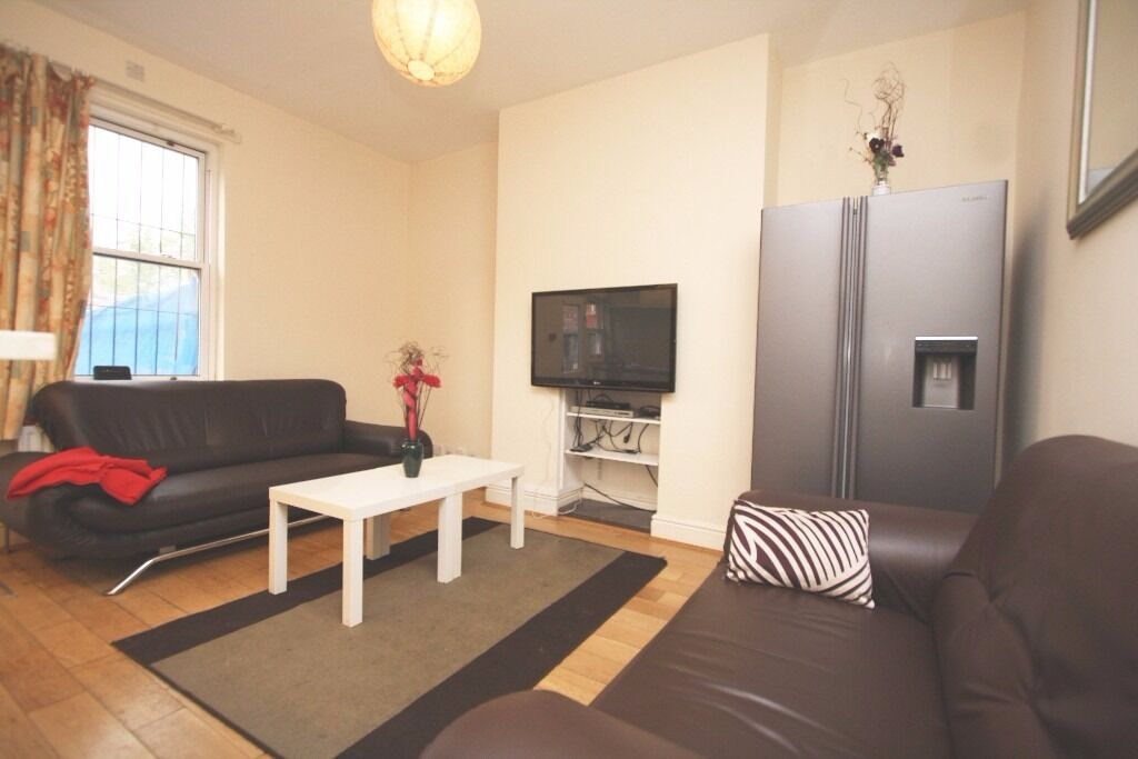 £99pppw Amazing 5 Double Bedroom Shared Student House + 1/2 Rent July 2017 !NO AGENCY FEES!