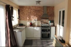 3 Bed House to rent in Harrow Weald-CARMALITE ROAD