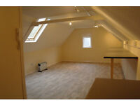 Office/Workshop Studio Ashford Town Centre to rent