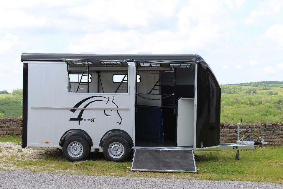 Pferdeanhänger Cheval Optimax Frontaustieg & Sattelkammer NEU!!! in Pirk