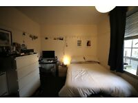 Extra Large Double Room to Rent in Shepherd's Bush - 3 minutes walk to Hammersmith & city line