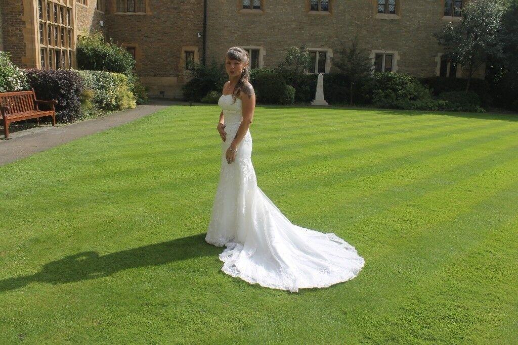 Petite size 6/8 ivory wedding dress