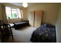 Huge Twin room in Central London, ALL BILLS INCLUDED, cleaner included, Edgware Road, 24SH