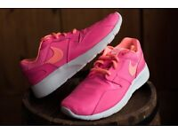 BRAND NEW IN BOX Women's Nike Size 4.5