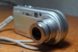 IN FULL WORKING ORDER: Sony DSC-P150 CYBERSHOT Digital Camera. Also a collectible photographic item.