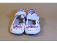 Clarks girl shoes size 4.5