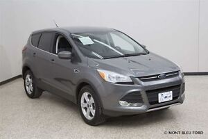 2014 Ford Escape SE w/SYNC AND BACK-UP CAM *FINANCING AVALAIBLE