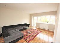 3 bedroom flat in Nether Street, London, N12