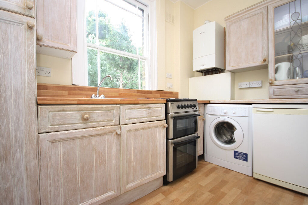 Impressive & Spacious Two Bedroom Apartment Available In Lewisham