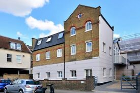 1 Bedroom Flat to Rent: Acton, ideal for professionals and couples