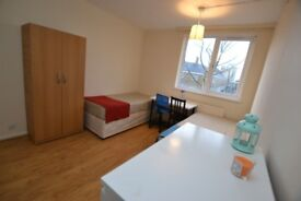** THREE ROOMS AVAILABLE TO RENT IN THE SAME HOUSE ** DO NOT MISS THEM OUT **