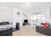 TWO DOUBLE BED FLAT ON BOSTON MANOR RD SITUATED MOMENTS FROM BOSTON MANOR TUBE £1400PCM