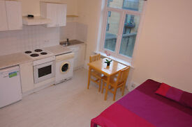 A well presented first floor studio flat near Archway station zone 2