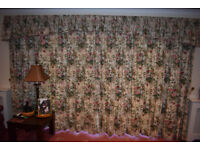 2 Pairs of lined curtains in floral pattern