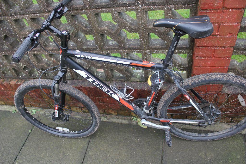 trek 3500 19 5 hardtail mtb with upgrades mountain bike. Black Bedroom Furniture Sets. Home Design Ideas