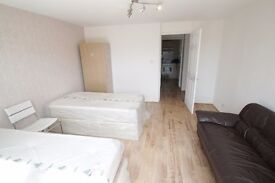 AMAIZING EN-SUIT TWIN ROOM T0 RENT IN ARCHWAY GREAT LOCATION CLOSE TO TUBE STATION. 32S