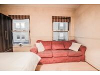 AMAZING LOCATION***CHEAP DBL FOR COUPLES