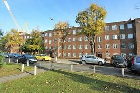 2 bedroom flat in Brent Street, Hendon, NW4